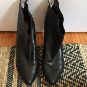 Belle by Sigerson Morrison ankle booties 36